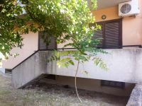 CATANZARO Santa Maria via dei Conti Falluc, Res. Eleana, vendesi appartamento mq 90 circa con giardino