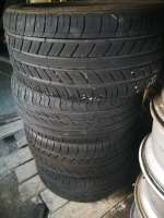 4 GOMME